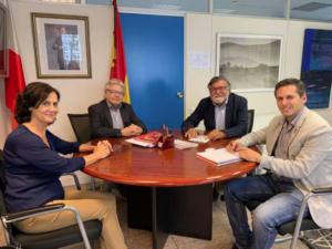 El Director General de Deportes de Cantabria (d), Mario Iglesias, con Joaquín Díaz, Jaume Martí y Margarita Orzáez
